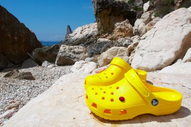 CROCS ON THE ROCKS